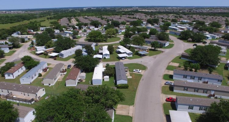 Community Living - What to Expect from a Mobile Home Community - park