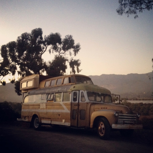 vintage buses-Cosmic Collider Vintage Bus Remodel - s story Bus Build