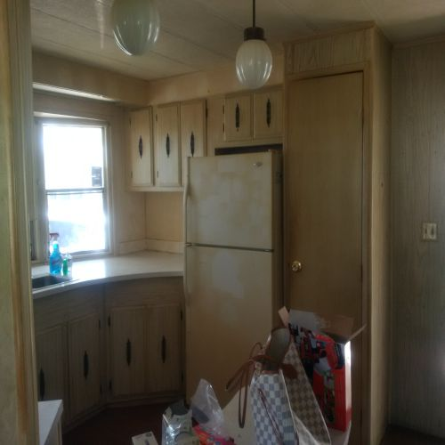 kitchen before $45,000 manufactured home renovation