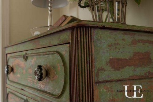 Distressing furniture - DIY