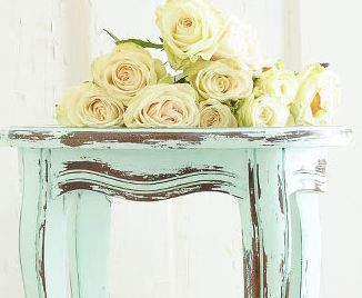 Distressing furniture with vinegar - DIY primitive decor