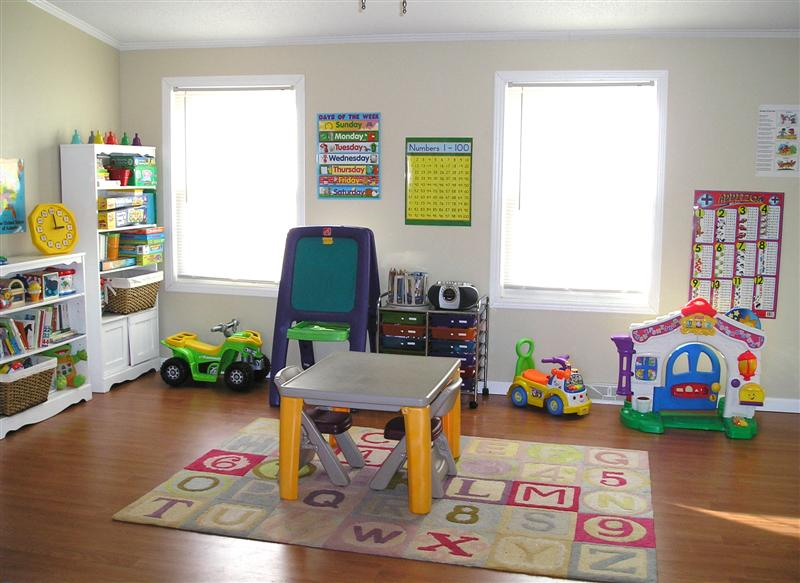Manufactured Homesteading - manufactured home makeover - family room after makeover