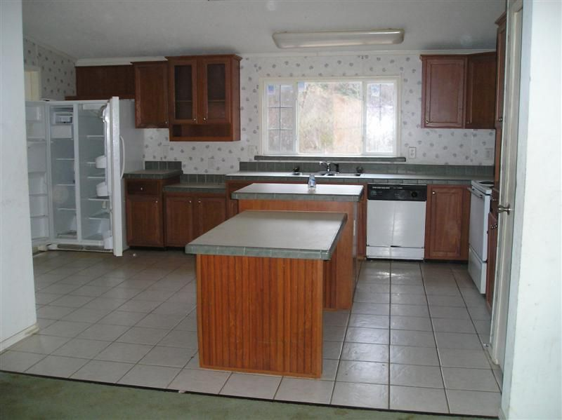 Double wide manufactured home kitchen before makeover 2 - homesteading_