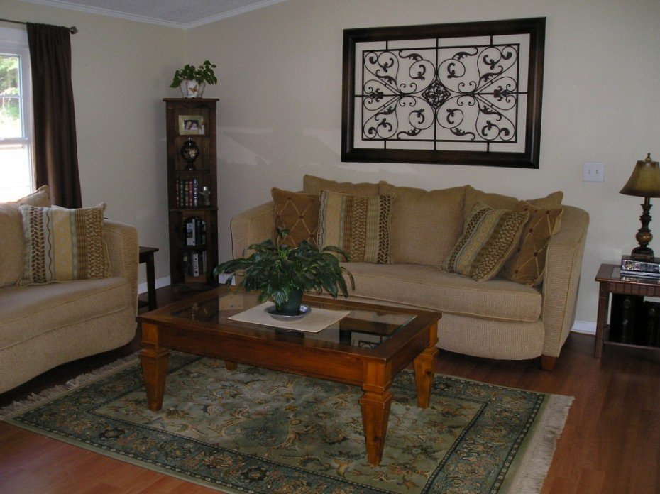 Double wide manufactured home living room after makeover 2 - homesteading.jpg.crdownload