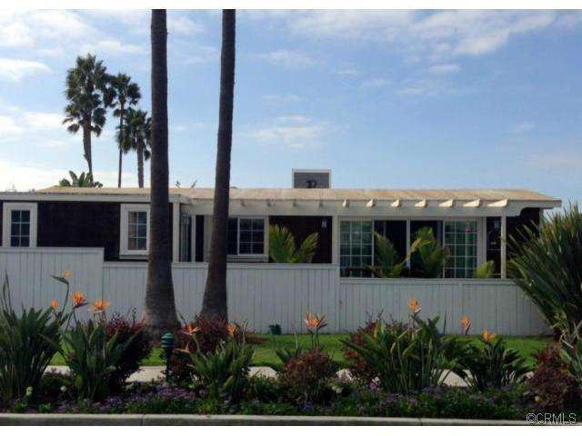 Exterior of remodeled manufactured home in Newport Beach CA