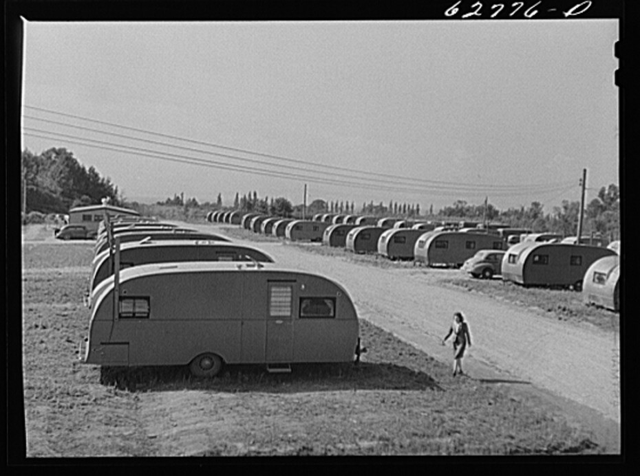 Fsa trailer camp near general electric plant erie pa- 200 trailers here -occupied by childless couples and by families of one and two children library of congress