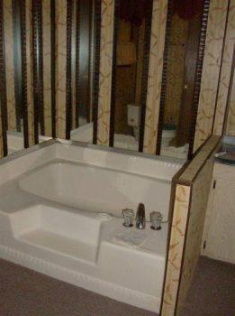 Fleetwood Festival Single Wide - Original Master Bathroom Design - Favorite Classic Mobile Home Models of Mobile Home Experts