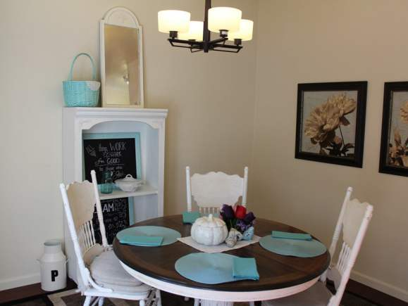 Fleetwood Manufactured Home Makeover (dining room)