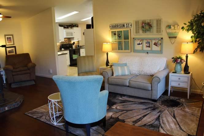 Fleetwood Manufactured Home Makeover (living room after makeover)
