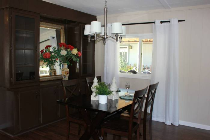 Fully Remodeled Manufactured Home in San Fran - Dining room