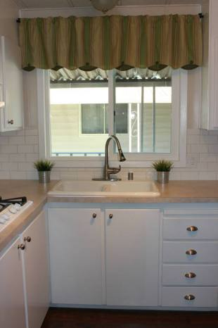 Fully remodeled manufactured home in san fran -kitchen 2