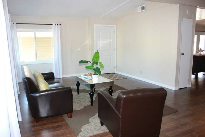 Fully remodeled manufactured home in san fran - living room 3