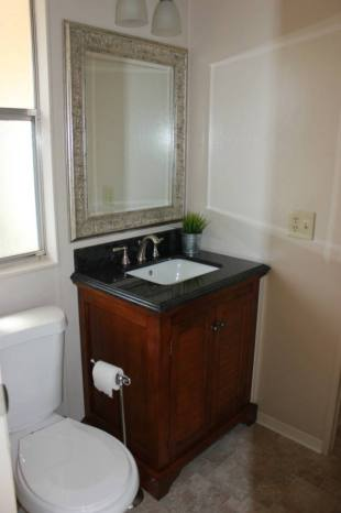 Ideal Fully Remodeled Manufactured Home in San Franciso Bathroom