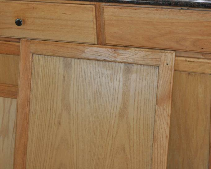 Generic kitchen cabinetry before mobile home kitchen makeover