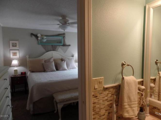 Gorgeous Single Wide Beach House - - master bedroom 3