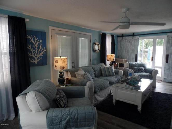 Gorgeous Single Wide Beach House - - living room - interiors