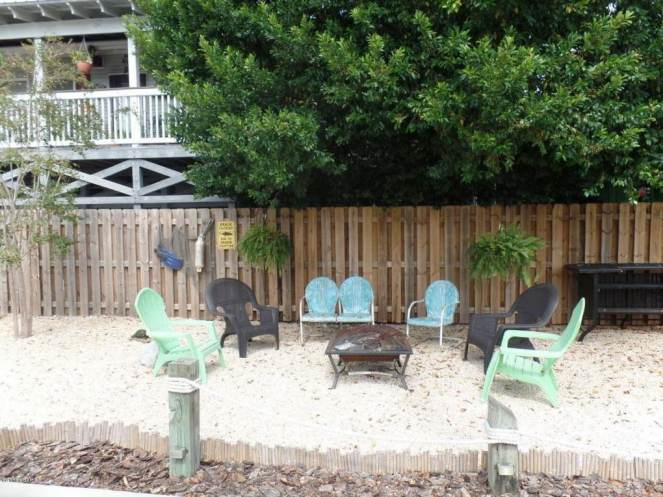 Gorgeous Single Wide Beach House - outdoor party space