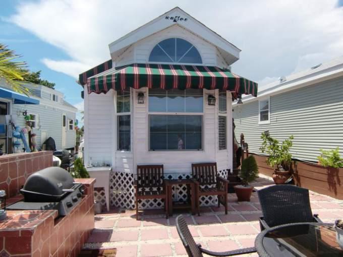 Great Park Model Home Decorating Ideas - Exterior