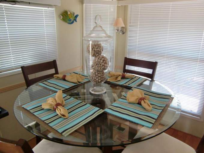 Great Park Model Home Decorating Ideas - Interior - Dining Room
