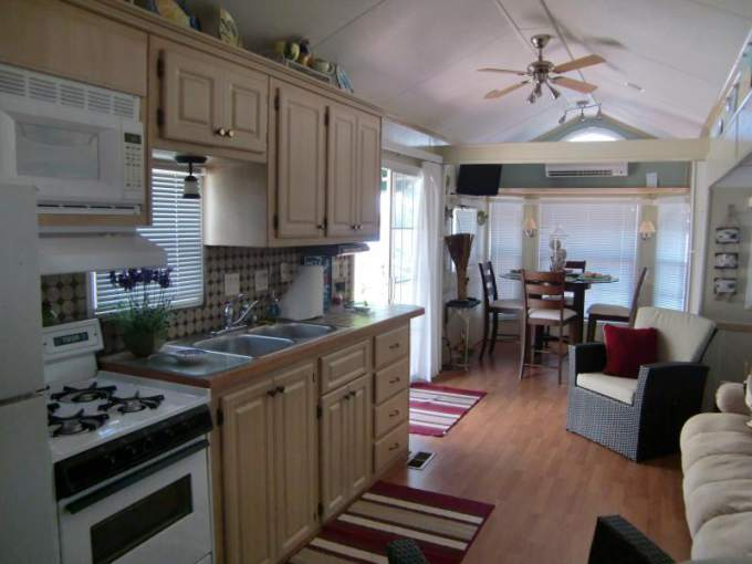 Great Park Model Home Decorating Ideas - Interior - Living Space