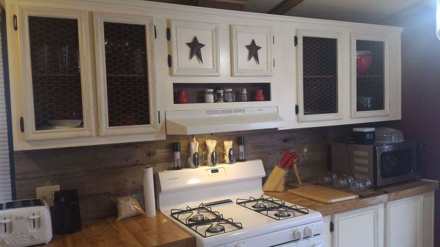 mobile-home-gets-rustic-farmhouse-kitchen-makeover-completed-kitchen