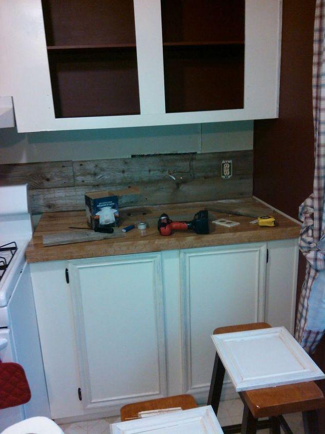 farmhouse kitchen makeover-old-barn-wood-back-splash