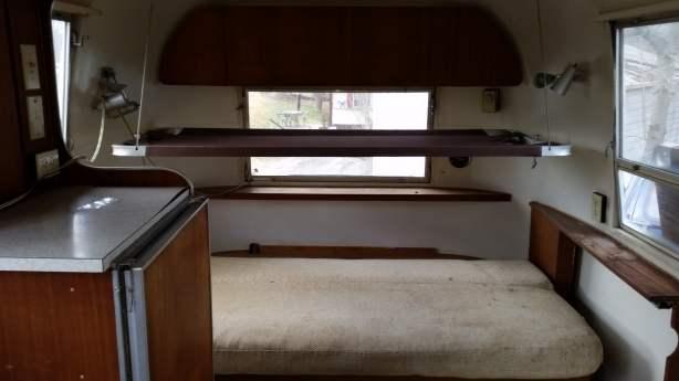 Mobile Home Living's 1965 Airstream Safari (32)