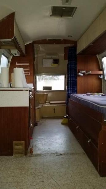 Mobile Home Living's 1965 Airstream Safari (40)