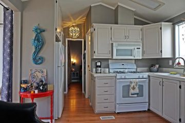 Mobile Home Renovation - After - Kitchen 2