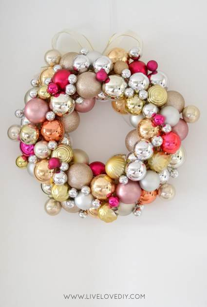Ornament Wreath you can make - Cheap DIY Christmas Decorations