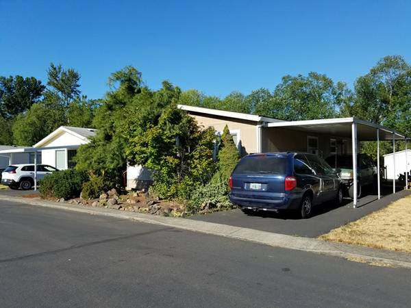 Our 10 Favorite Craigslist Manufactured Home Listings in July 2017 - Portland double wide