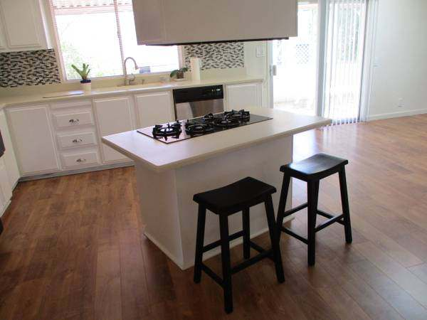 Our 10 Favorite Craigslist Manufactured Home Listings in July 2017 - Rancho Mirage double wide kitchen remodel