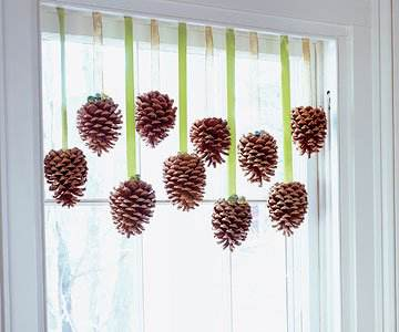 pine cone window decor cheap diy christmas decorations - Cheap Christmas Decorations
