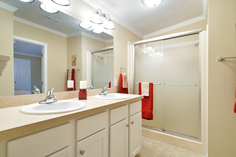 manufactured home makeover-Remodeled Manufactured Homes for sale in Florida_Bathroom