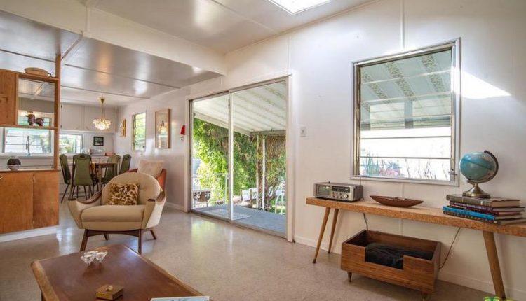 1962 Skyline is a Vintage Mobile Home Beauty - Sliding door in living room