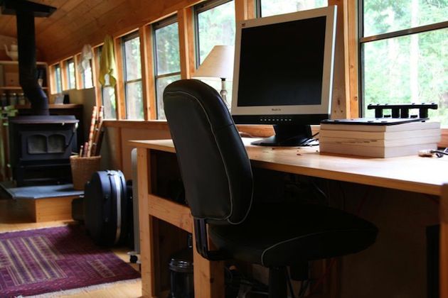 vintage buses-School-Bus-Converted Into Mobile-Home - Interior