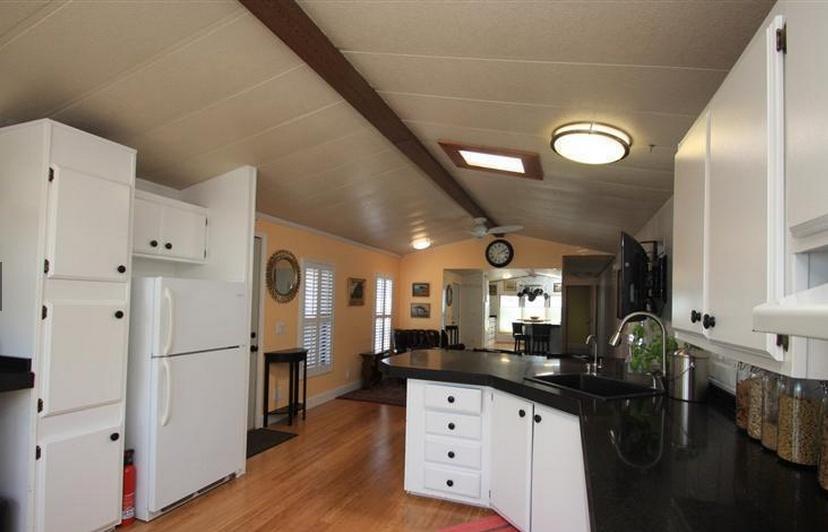 Sensational Single Wide Bachelor Pad Mobile Home Living