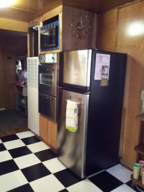 vintage mobile home restoration-Smoker Aritocrat Vintage Mobile Home Interior - Kitchen 5