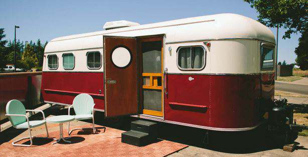 The Vintages - travel trailer rental 3
