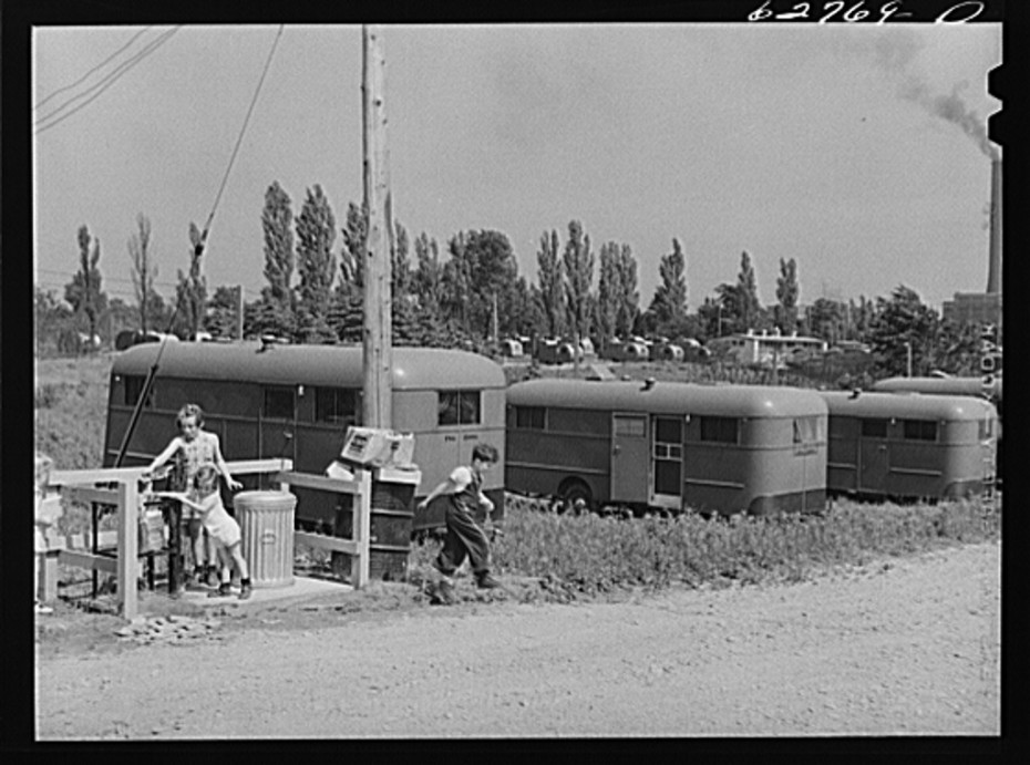 Trailer service unit of water faucet and garbage pail is provided for every ten trailers at fsacamp. Erie pa june 1941