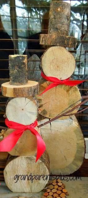 Tree Stump Snowman - Cheap DIY Christmas Decorations