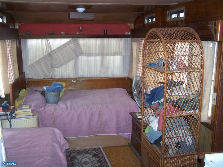 Ventoura Mobile Home Living Room Before complete remodel