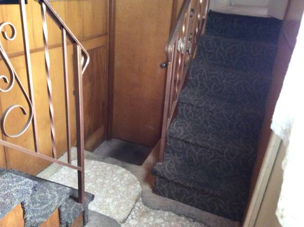 Vintage mobile home - stewart bi-level model (stairs)