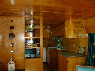 Vintage mobile homes and campers - 1953 silver star (interior picture)