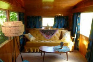 Vintage Mobile Homes and Campers - 1953 Silver Star - restored interior - living room 5