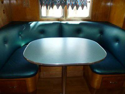 Vintage Mobile Homes and Campers - restored 1953 Silver Star Mobile Home - Dinette Seating