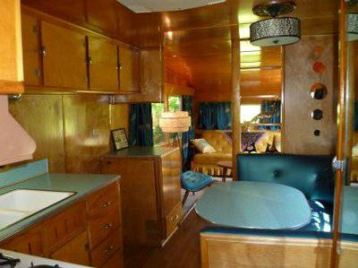 Vintage mobile homes and campers - restored 1953 silver star mobile home - dinette seating and kitchenette