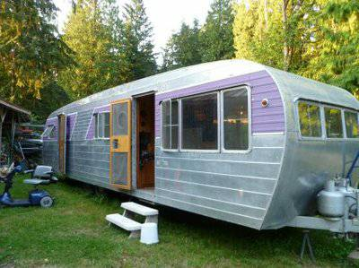 Vintage mobile home - restored 1953 silver star - exterior 2