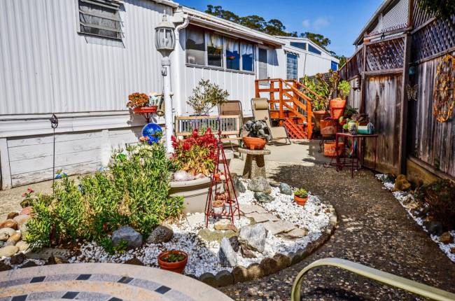 Vintage Single Wide Mobile Home Feature - Santa Cruz Style (13)
