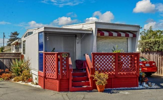 Santa Cruz single wide - vintage mobile home style